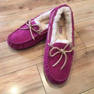 UGG Dakota Red Violet Slippers size 6